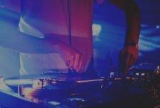 Bars & Nightclubs